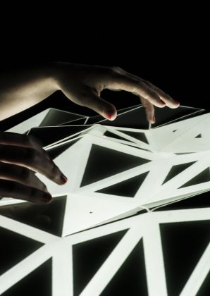 MEDIA INTERACTION DESIGN, Light Form, Mathieu Rivier 2624